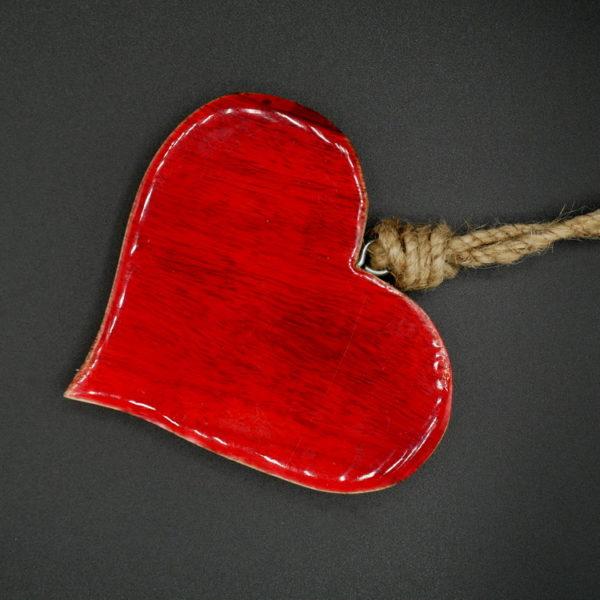 Coeur bois laqué rouge
